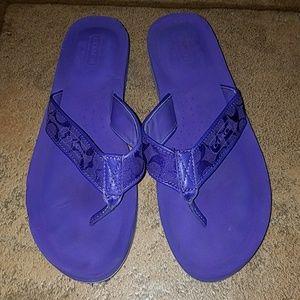 Coach sz 8 purple padded flip flops